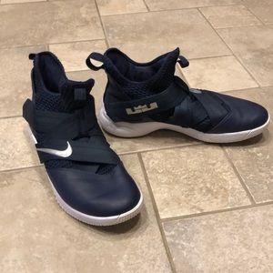 Men's Nike size 15 LeBron James Basketball Shoes